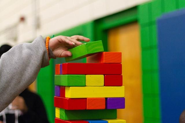 Pomysły na gry i zabawy dla dzieci podczas półkolonii